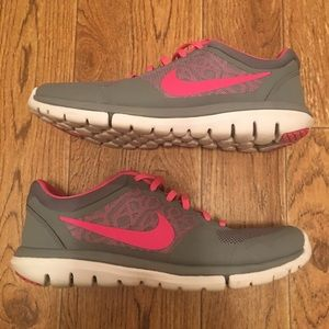 Nike Shoes - NIKE Flex 2015 Run Women's Running Shoes (used)